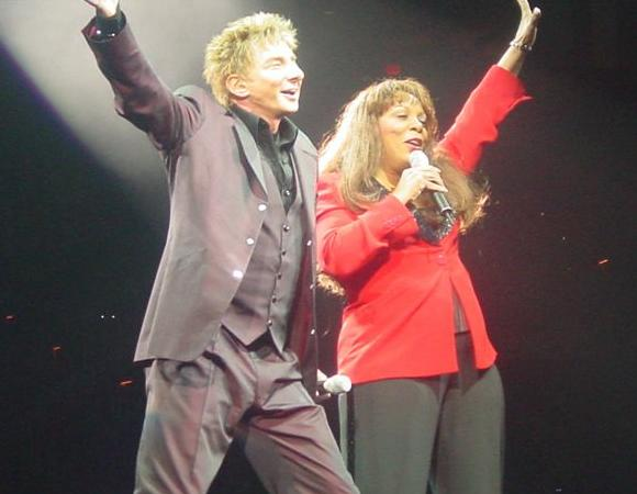 Barry Manilow - BarryNet - The Shows - Past Performances - 2004
